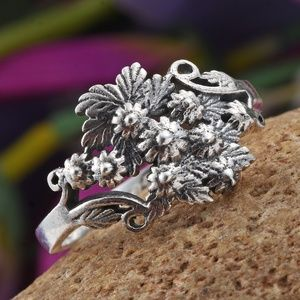 Jewelry - Sterling Silver Floral Bouquet Ring